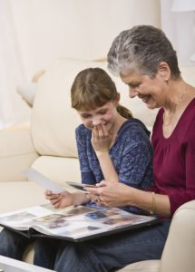 Caregiver in Skokie IL: Intergenerational Activities